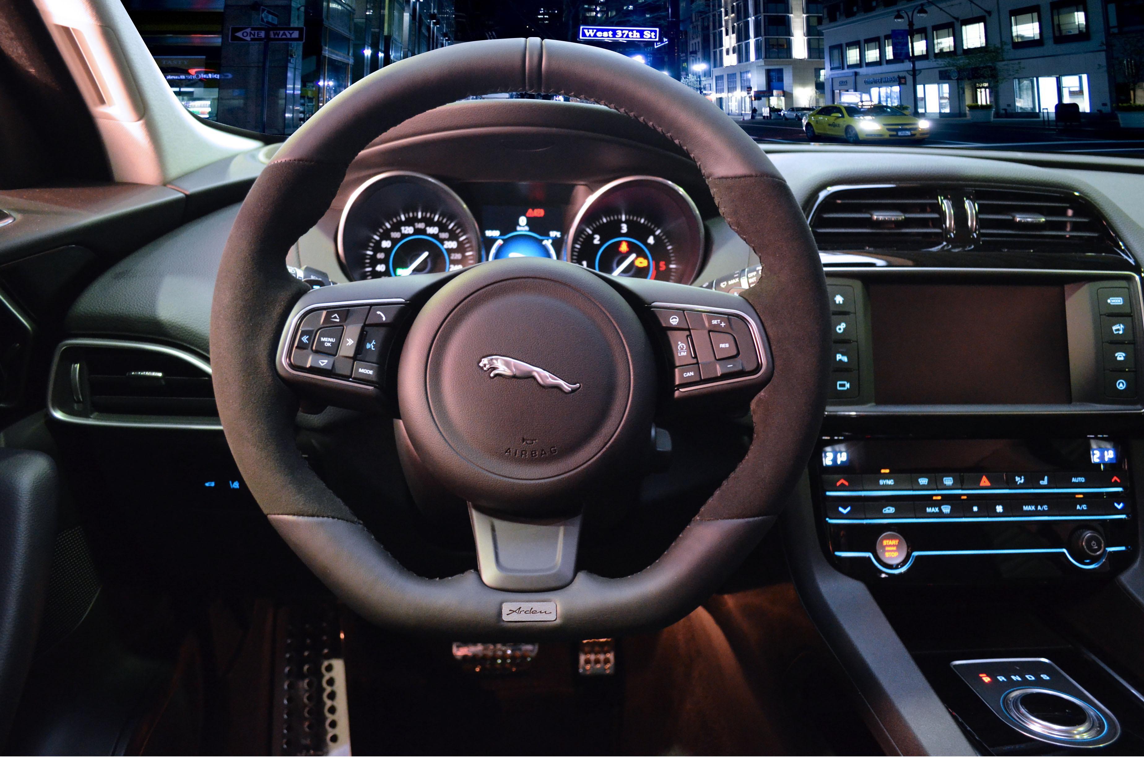Arden Sportlenkrad für Jaguar F-Pace ab 06/2015