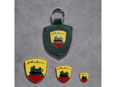 Set Arden crest and green Arden key ring