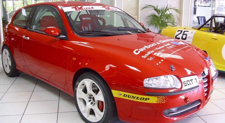 Alfa-Romeo-147-Jtd-Cup-front-left