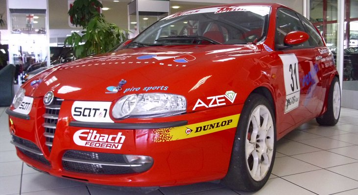 Alfa-Romeo-147-Jtd-Cup-front-right