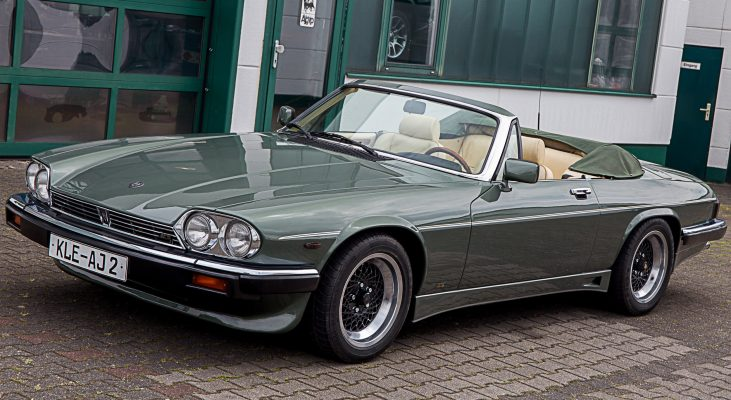 Arden-Jaguar-XJS-v12-Convertible-green-double-head-light-wheels