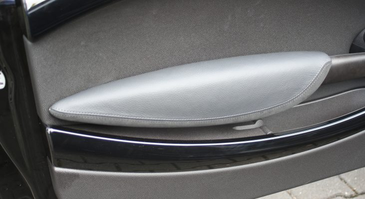 Arden-MINI-Cabrio-interior-leather-trim