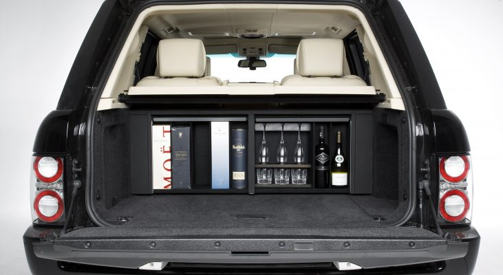 Arden-Range-Rover-LM-interior-back-seat-leather-trim-middle-console-trunk-minibar