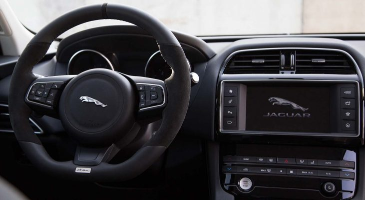 Jaguar-F-Pace-interior-Steering-wheel-Arden