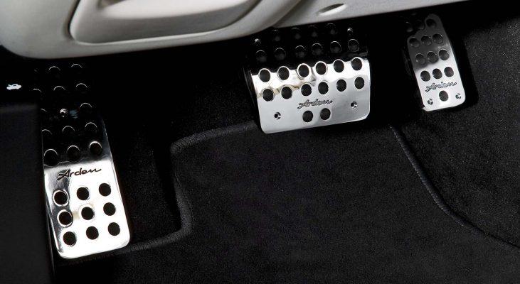 Jaguar-XJ-350_358-interior-aluminium-pedals-set-Arden
