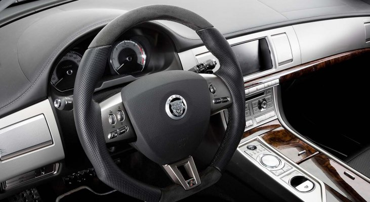 Jaguar-XJ-X351-Interior-Arden-Steering-wheel