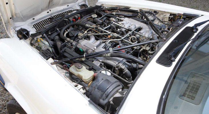 Jaguar-XJ-v12-engine-Daimler-Arden