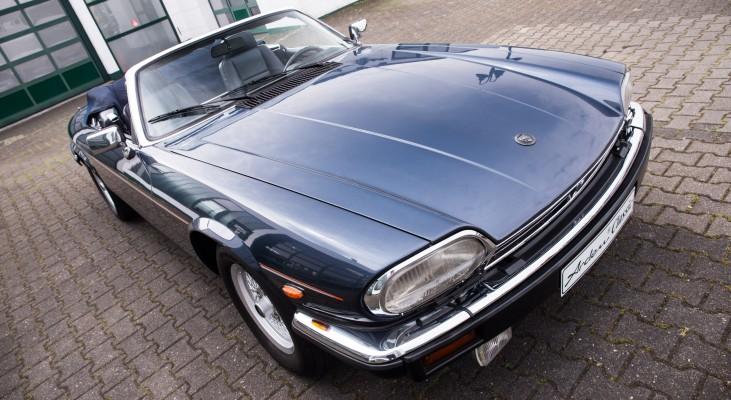 Jaguar-XJS-Cabrio-v12-Automatic-convertible-double-head-light-front-spoiler