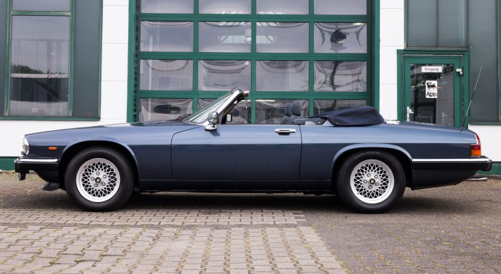 Jaguar-XJS-Cabrio-v12-Automatic-convertible-double-head-light-side-sills-system-rear-bumper
