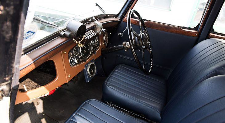 Riley-Monaco-interior-steering-wheel-seats