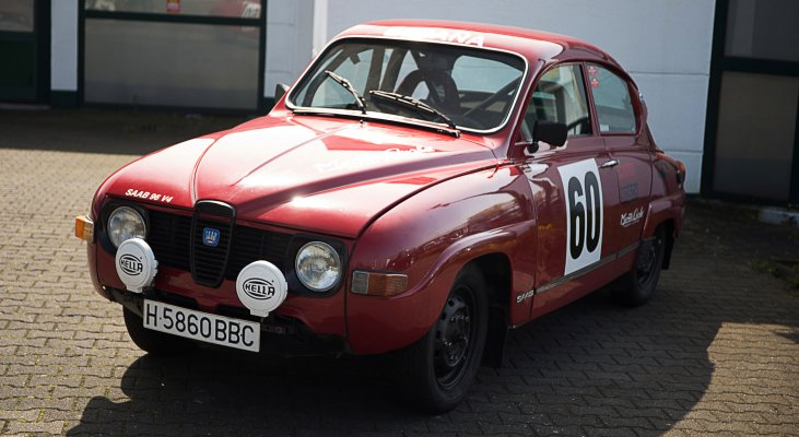 Saab-96-V4-Rallye-exterior-front-side-right