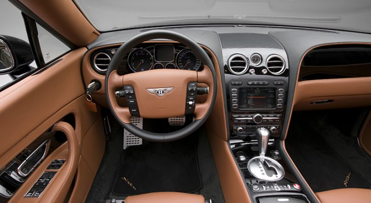 Arden Bentley AB2 GTC - Interieur (driverseat)